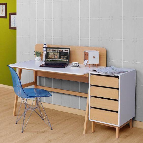 meja komputer minimalis warna cream
